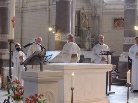 Dimanche 24 mai 2020, messe à 10h00, en l'église Saint Christophe de Nort-sur-Erdre, port du masque obligatoire. Homélie en ligne.
